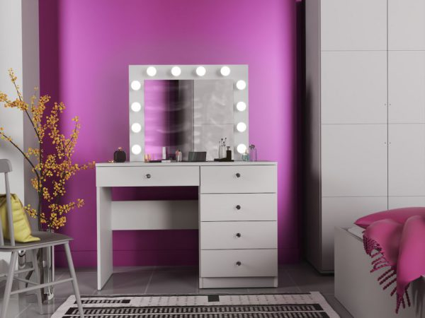 OMEGA- toaletka 12 żarówek LED 1